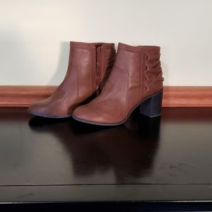 NEW EASY STREET BROWN BOOTIE 11 ANKLE BOOT